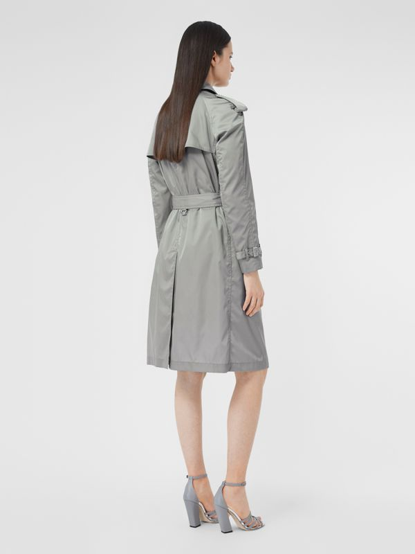 Press-stud Detail ECONYL® Trench Coat in Cloud Grey | Burberry - cell image 2