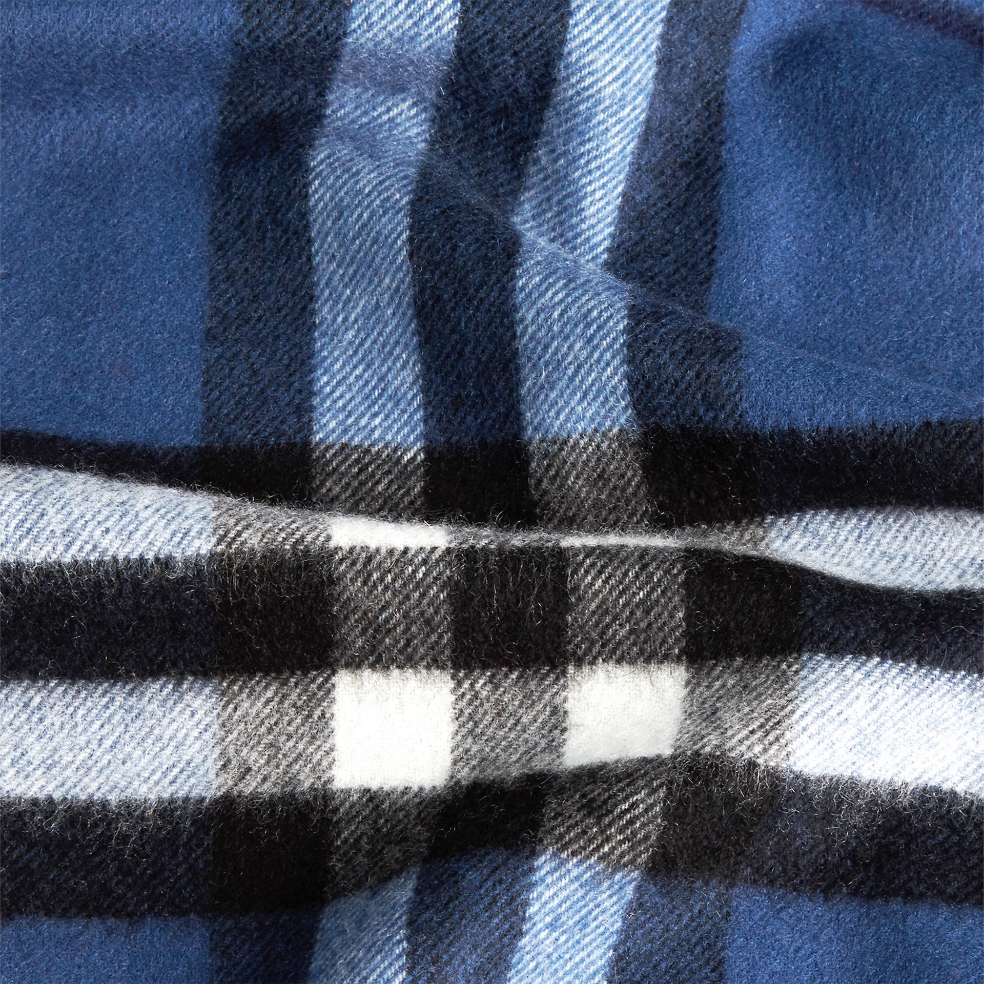 Blu cadetto Sciarpa in cashmere classica con motivo check Blu Cadetto - immagine della galleria 5