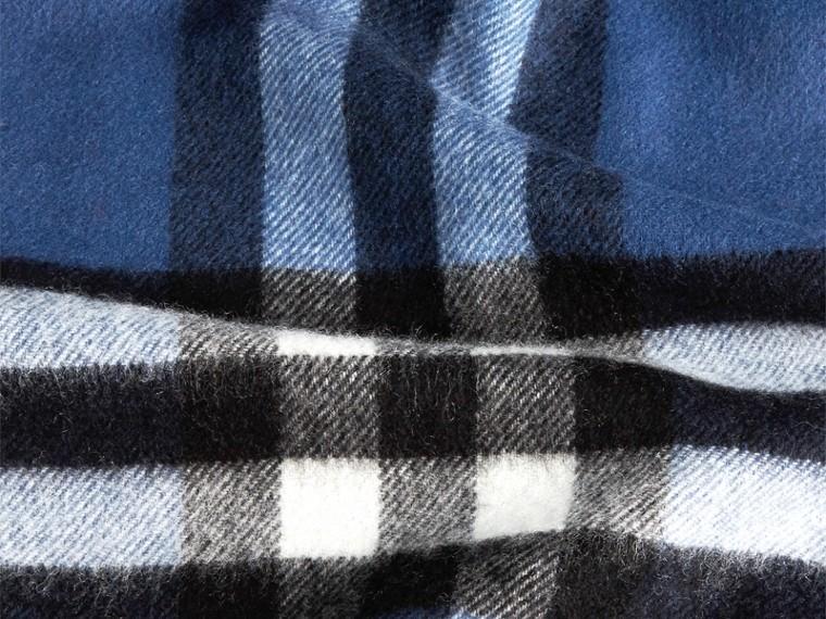 Blu cadetto Sciarpa in cashmere classica con motivo check Blu Cadetto - cell image 4