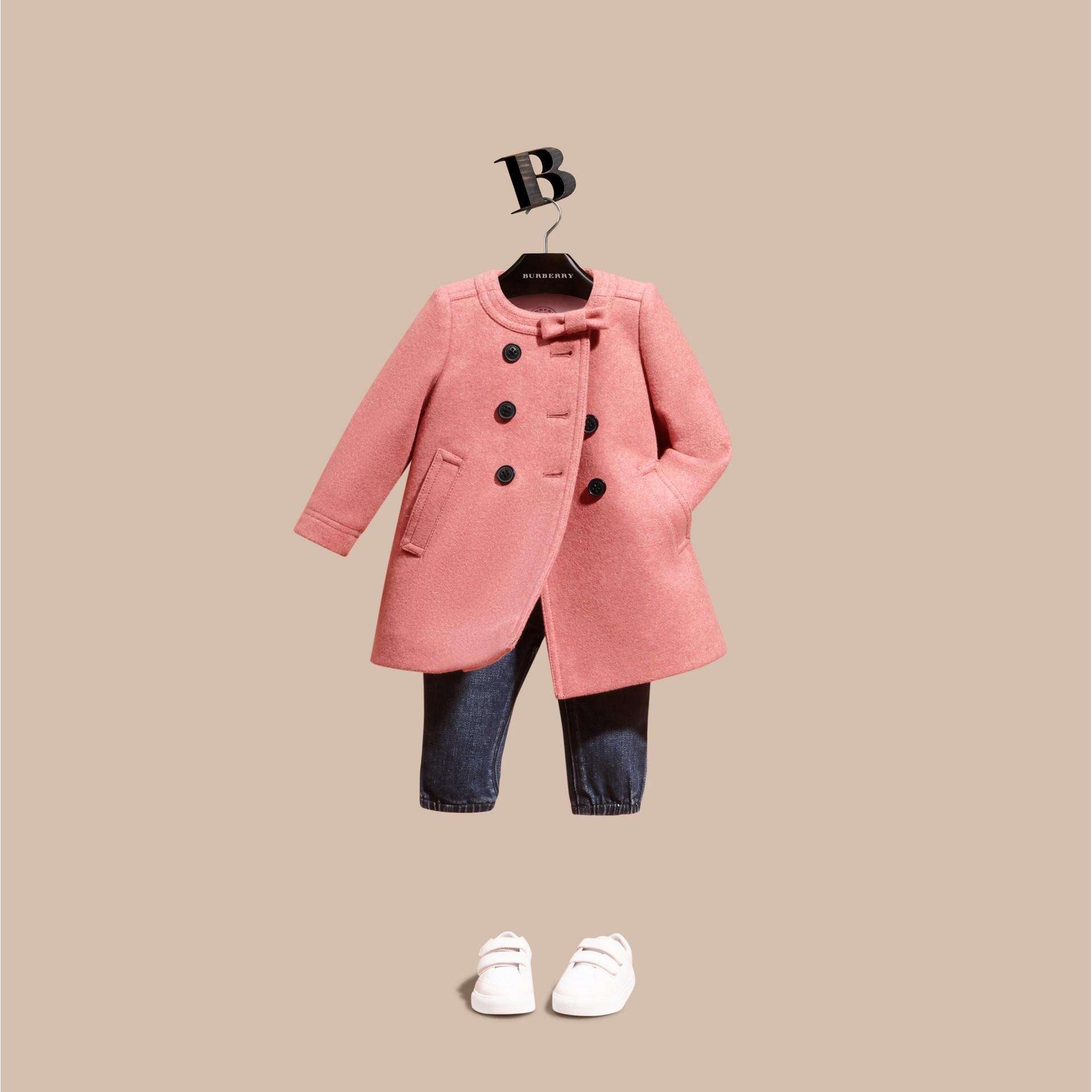 Розовый пион, меланж Пальто с декоративным бантом - изображение 1