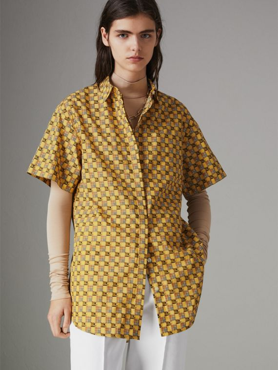 Short-sleeve Tiled Archive Print Cotton Shirt in Yellow