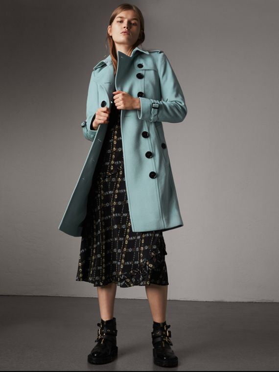 Sandringham Fit Cashmere Trench Coat in Pale Mineral Blue