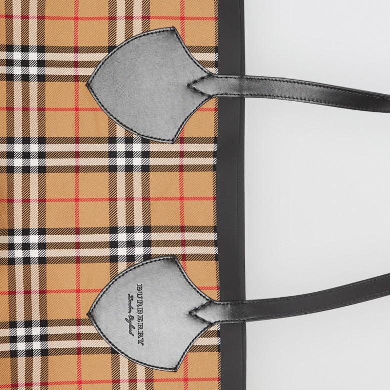 Burberry - Sac tote The Giant réversible en coton à motif Vintage check - 2