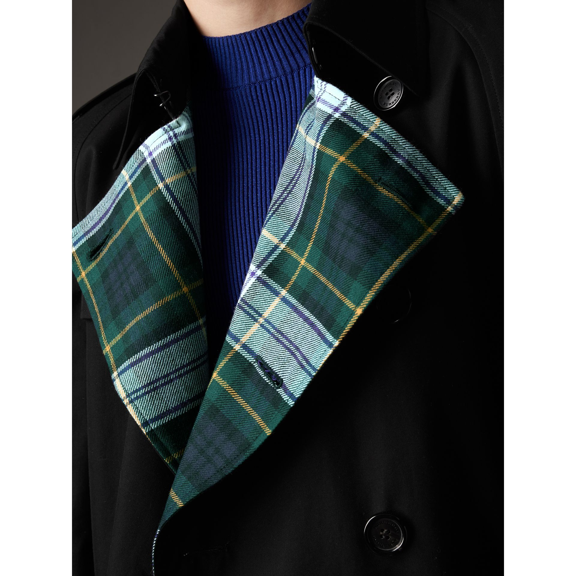 Tartan-lined Cotton Gabardine Trench Coat in Black - Men | Burberry United States - gallery image 4