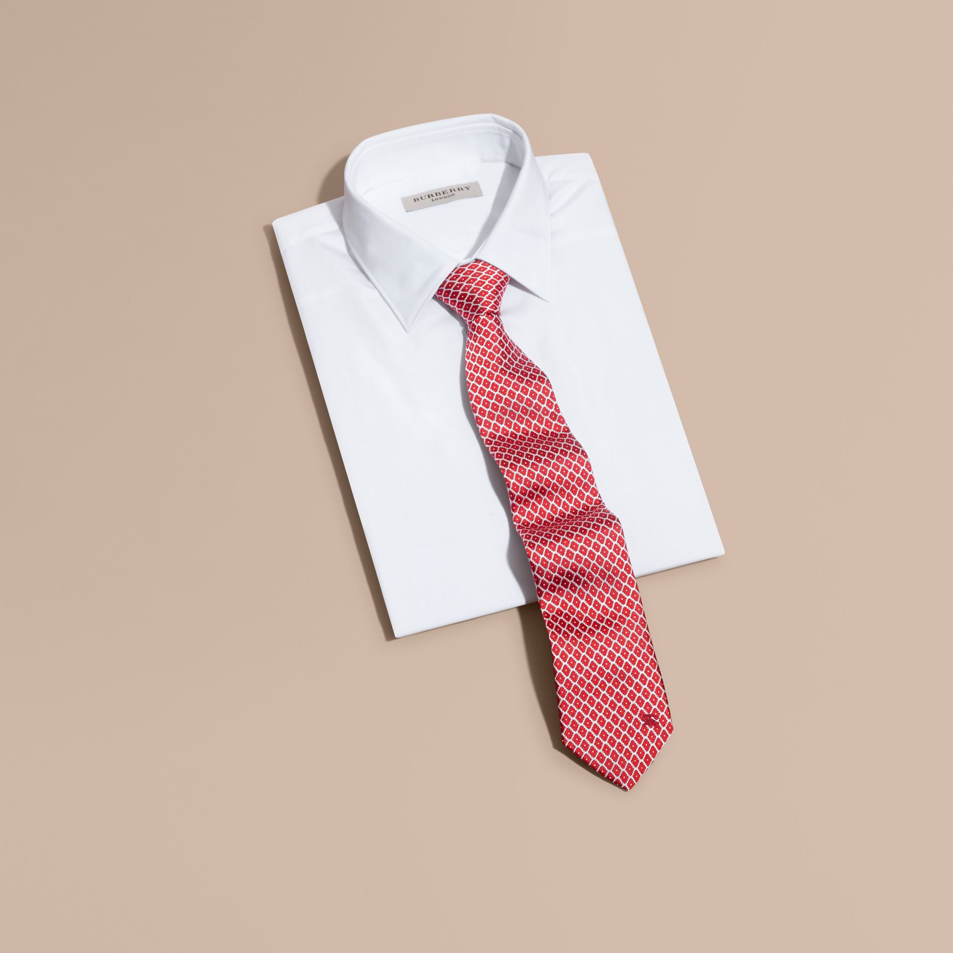 Parade red Modern Cut Silk Jacquard Tie Parade Red - gallery image 3