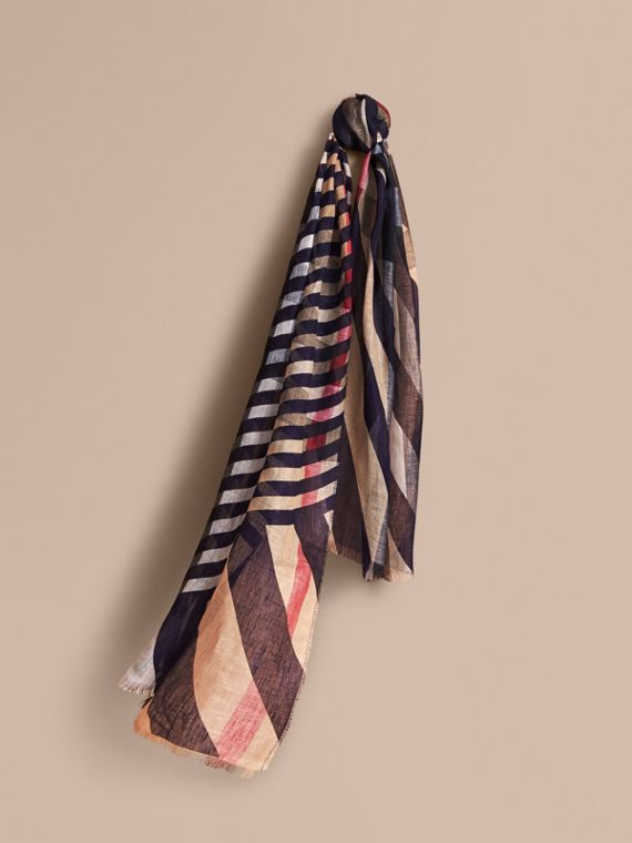 Lightweight Stripe Print Check Linen Scarf in Navy/camel