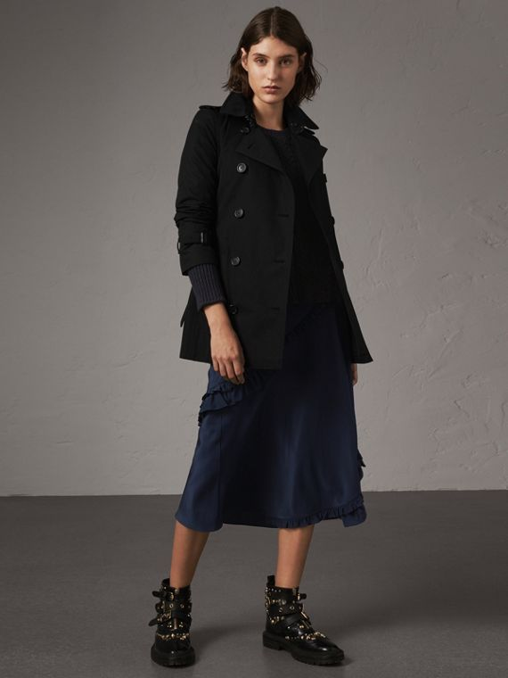 The Kensington – Short Trench Coat in Black