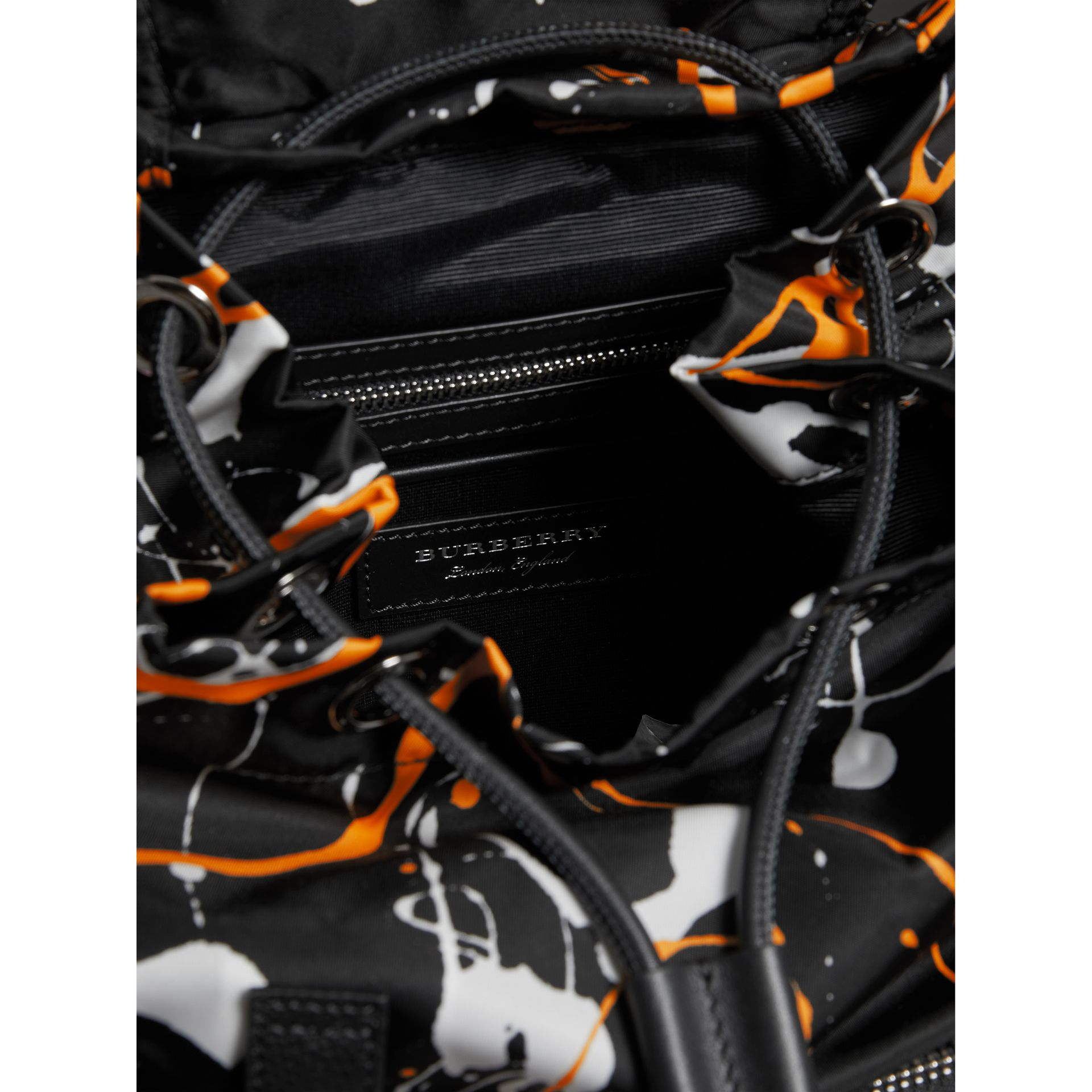 The Medium Rucksack in Splash Print in Black - Women | Burberry United Kingdom - gallery image 4