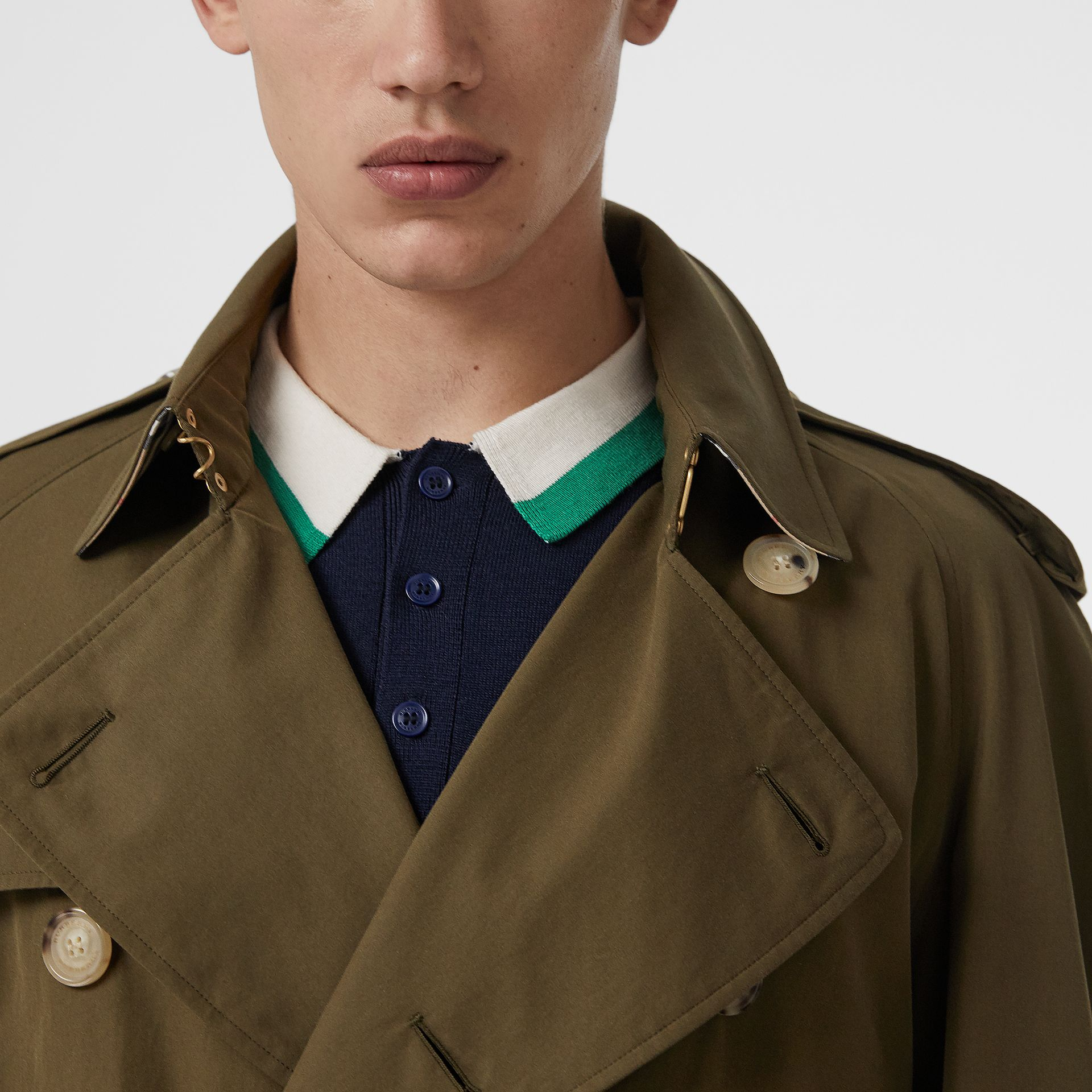 The Westminster Heritage Trench Coat in Dark Military Khaki - Men | Burberry Singapore - gallery image 4