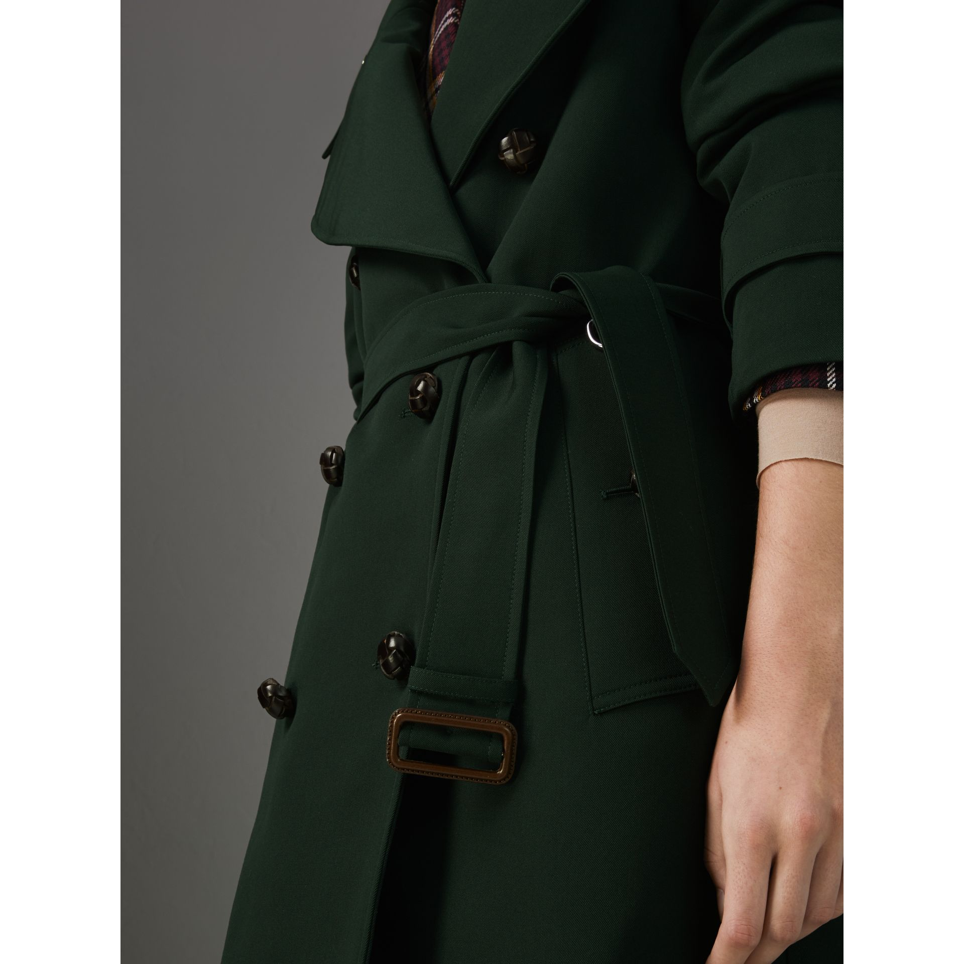 Oversized Lapel Wool Gabardine Trench Coat in Dark Cedar Green - Women | Burberry Canada - gallery image 2