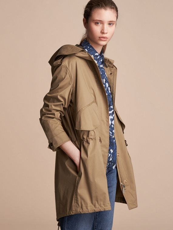 Hooded Water-resistant Parka in Flax Brown