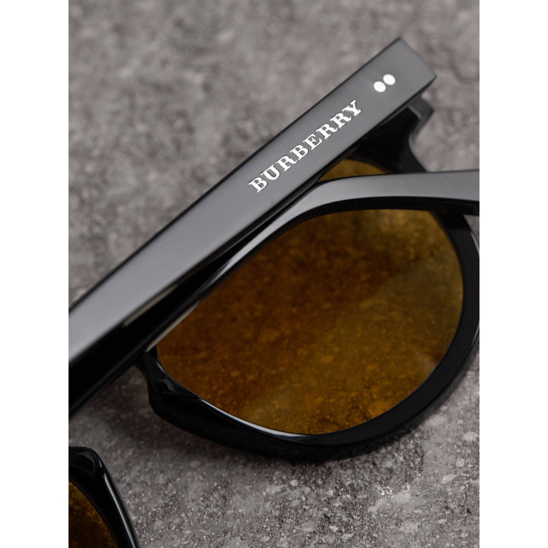 The Keyhole Round Frame Sunglasses in Black/yellow | Burberry Australia - gallery image 1