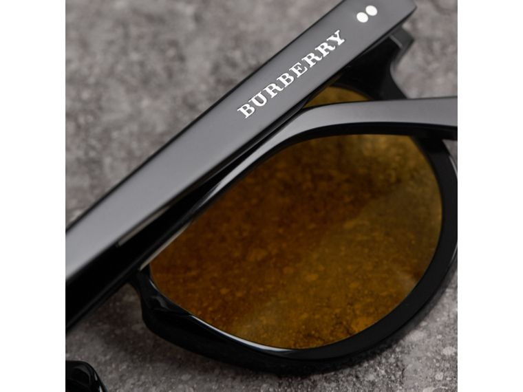 The Keyhole Round Frame Sunglasses in Black/yellow | Burberry Canada - cell image 1