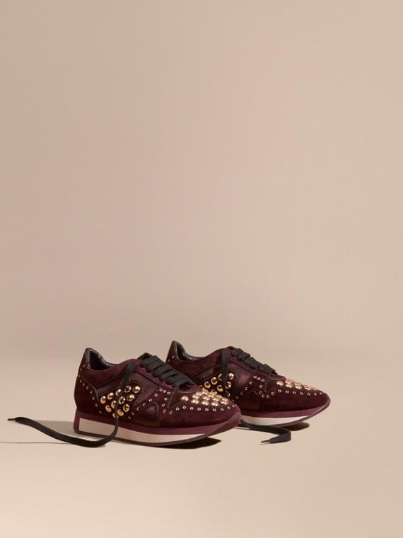 Field Sneakers en cuir velours clouté Acajou Sombre