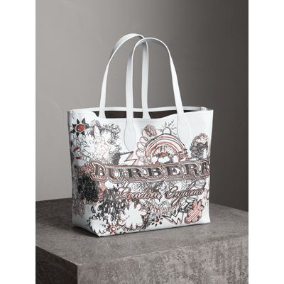 large reversible doodle print tote - White Burberry vycPz1