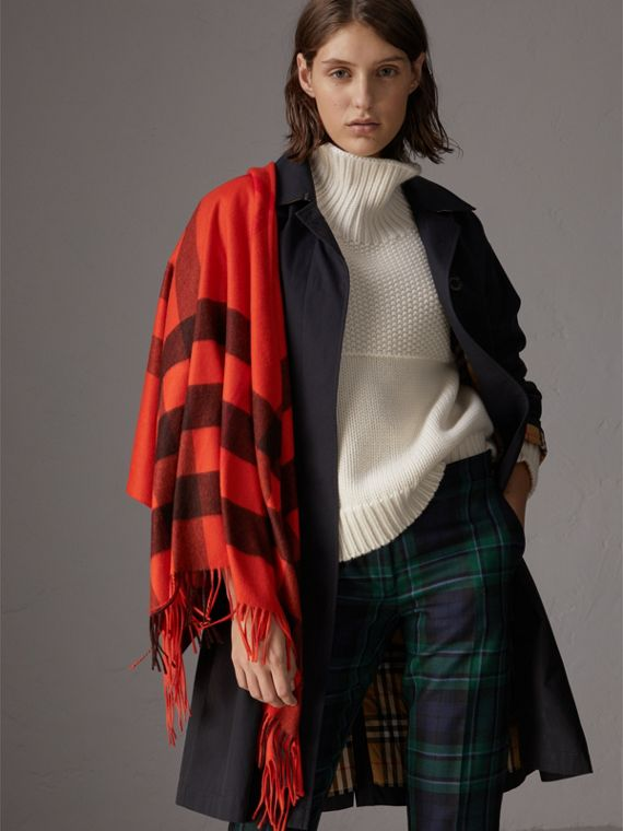 The Burberry Bandana in Check Cashmere in Orange Red | Burberry - cell image 2