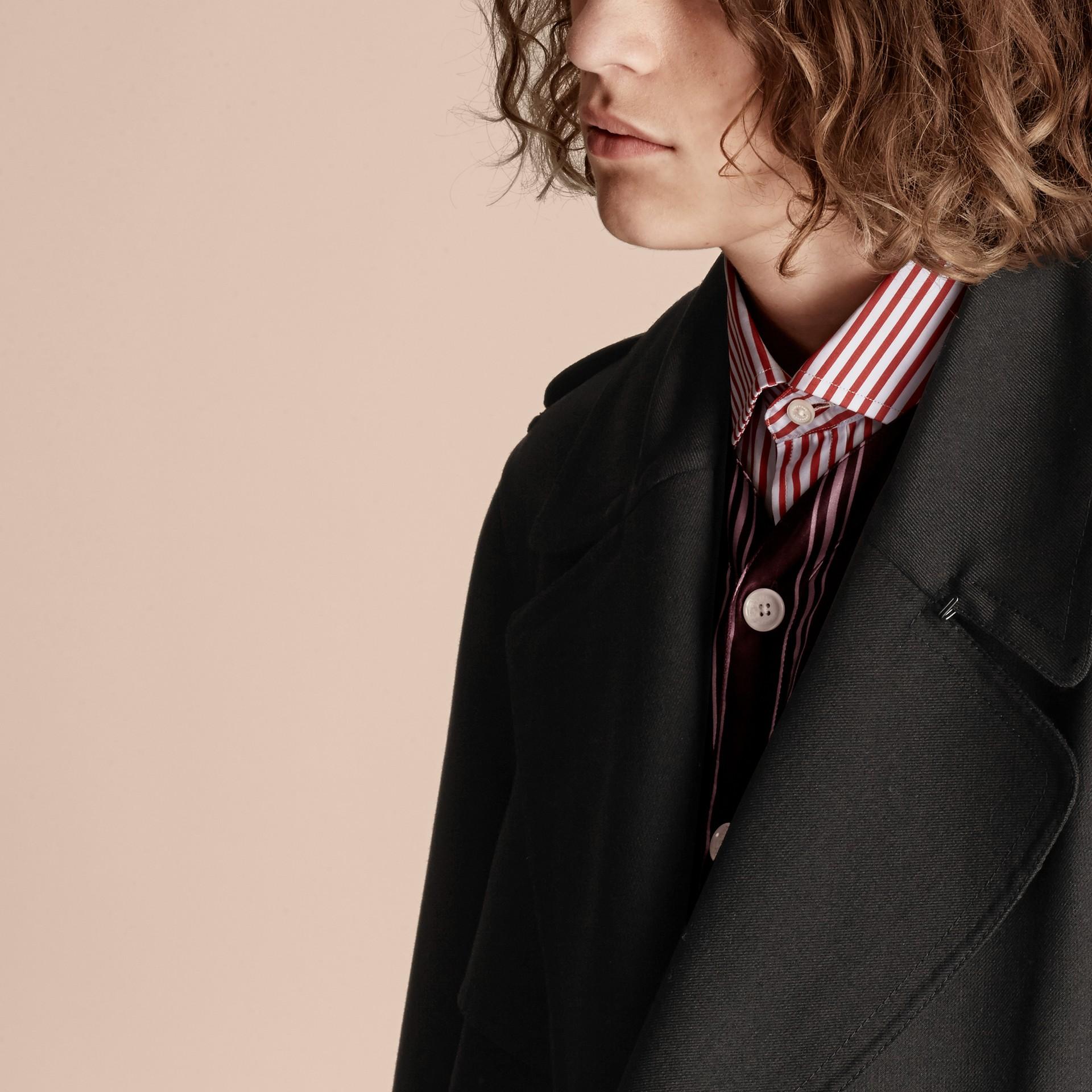 Nero Trench coat in twill di lana dal taglio comodo - immagine della galleria 6