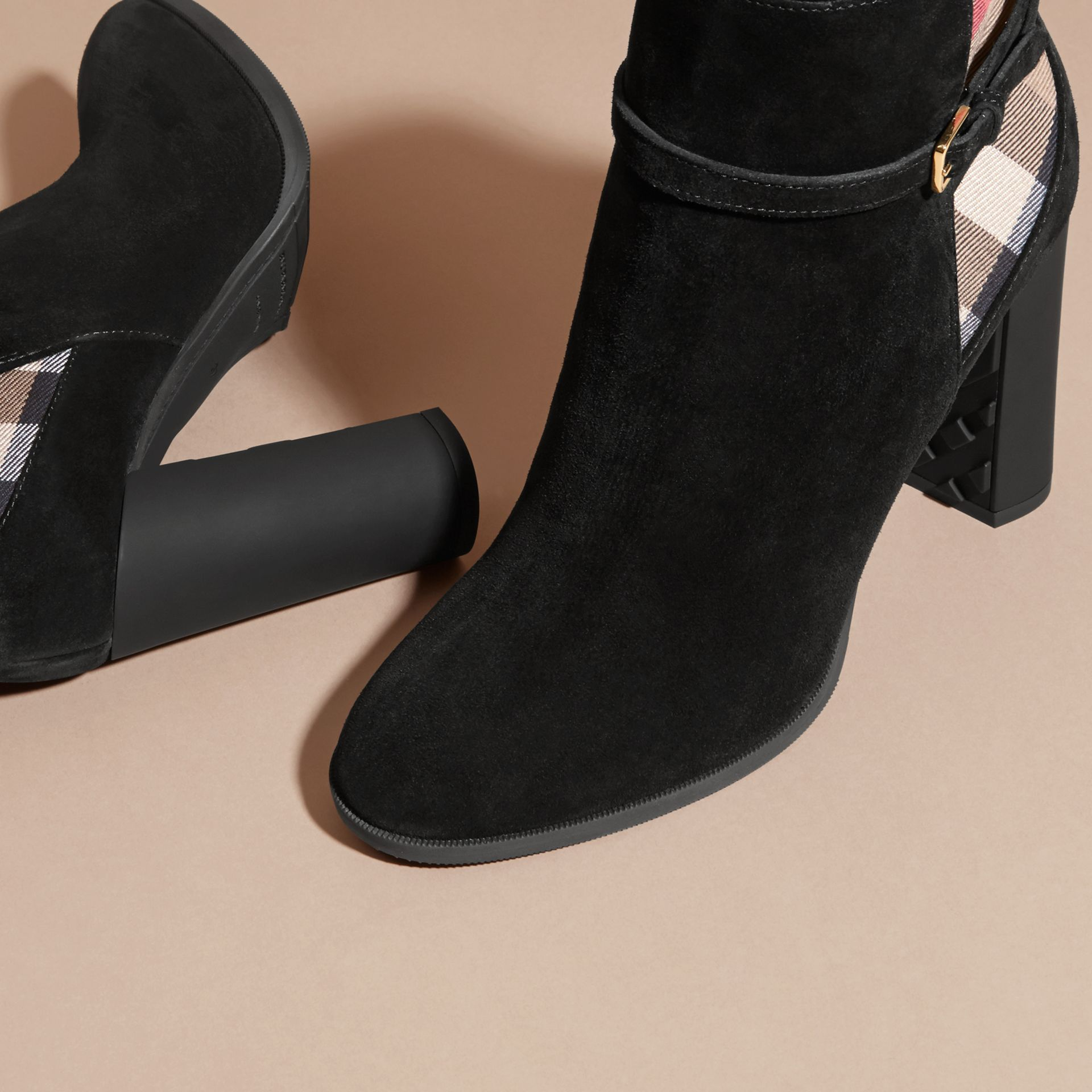 Noir Bottines en cuir velours avec motif House check - photo de la galerie 5