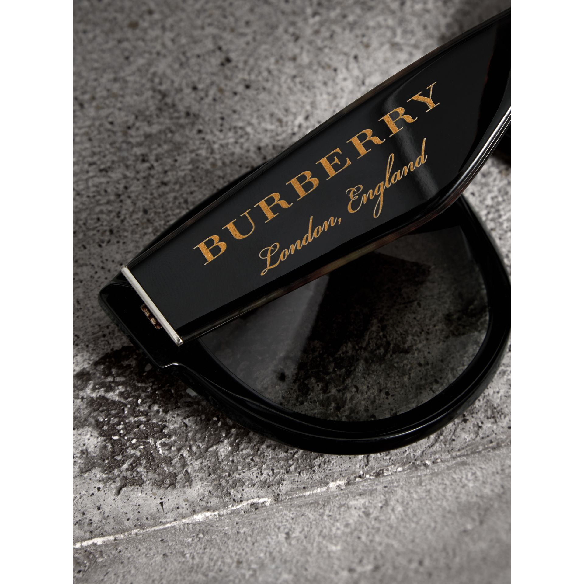 Round Frame Sunglasses in Black - Women | Burberry - gallery image 1
