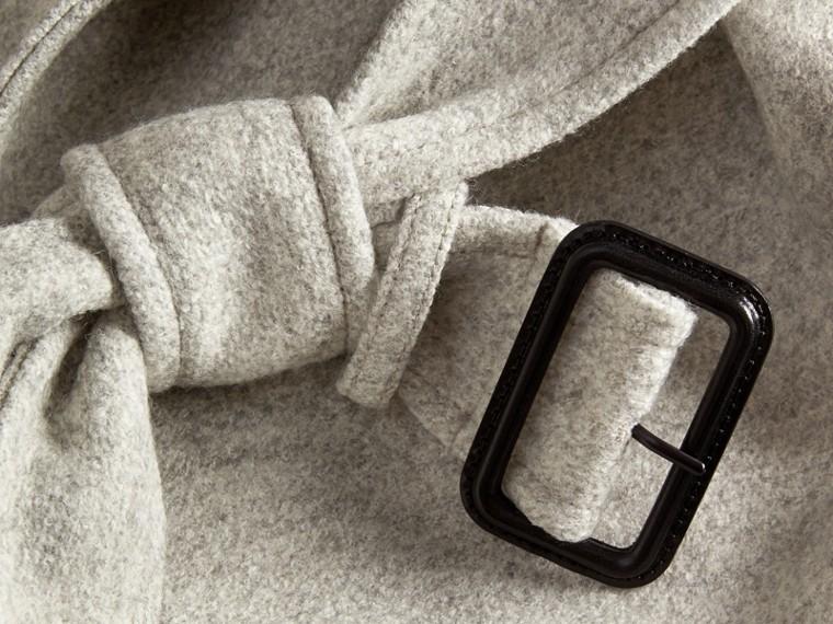 Grigio pallido mélange Cappotto a vestaglia in lana con cintura - cell image 1