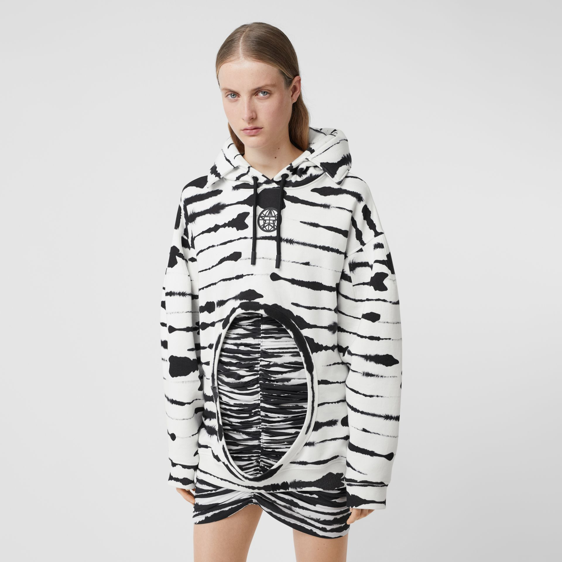 Cut-out Detail Watercolour Print Cotton Hoodie in White/black - Women | Burberry - gallery image 4