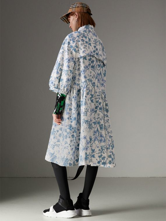 Reissued 2005 Floral Print Linen Dress Coat in Blue China - Women | Burberry - cell image 2