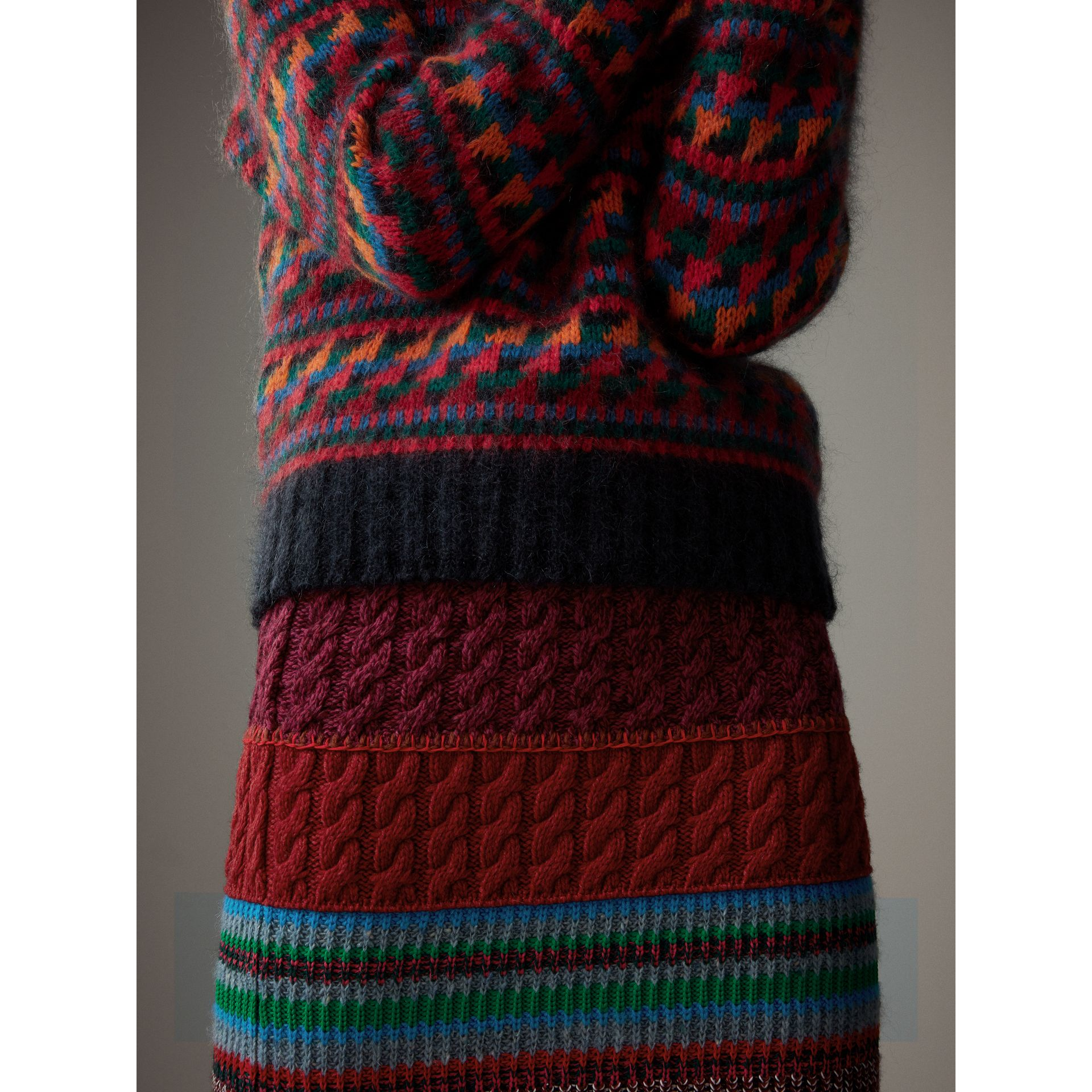 Hand-crocheted Detail Cashmere Wool Blend Skirt in Multicolour - Women | Burberry - gallery image 2