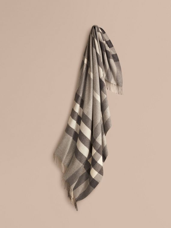 Check Cashmere Blanket in Pale Grey