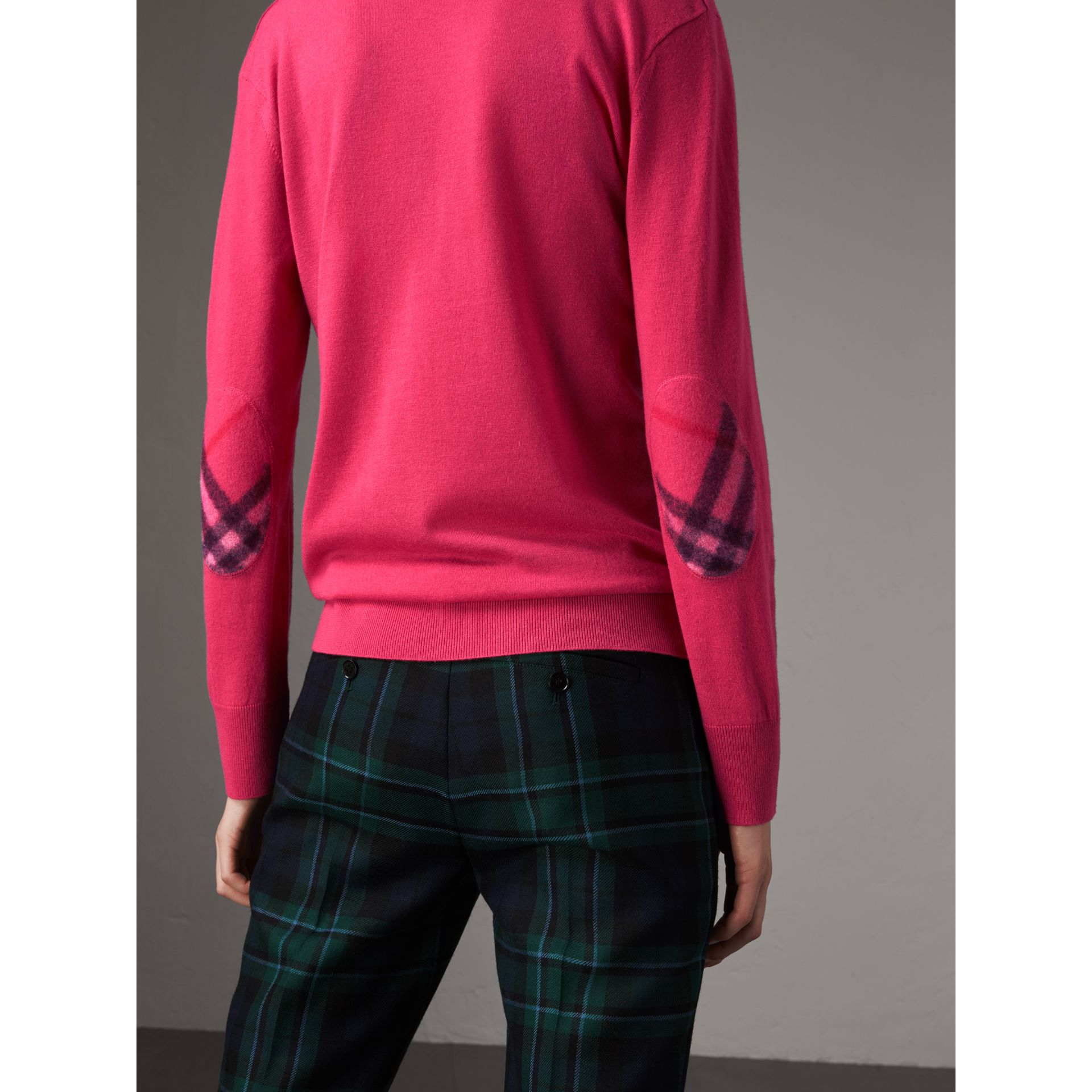 Check Detail Cashmere V-neck Sweater in Bright Pink - Women | Burberry - gallery image 2