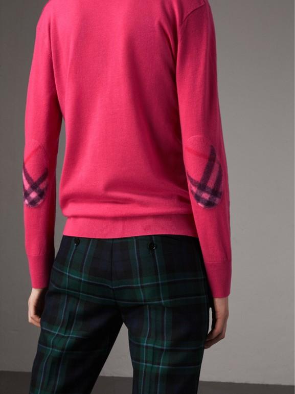 Pullover in cashmere con scollo a V e dettagli tartan (Rosa Intenso) - Donna | Burberry - cell image 1
