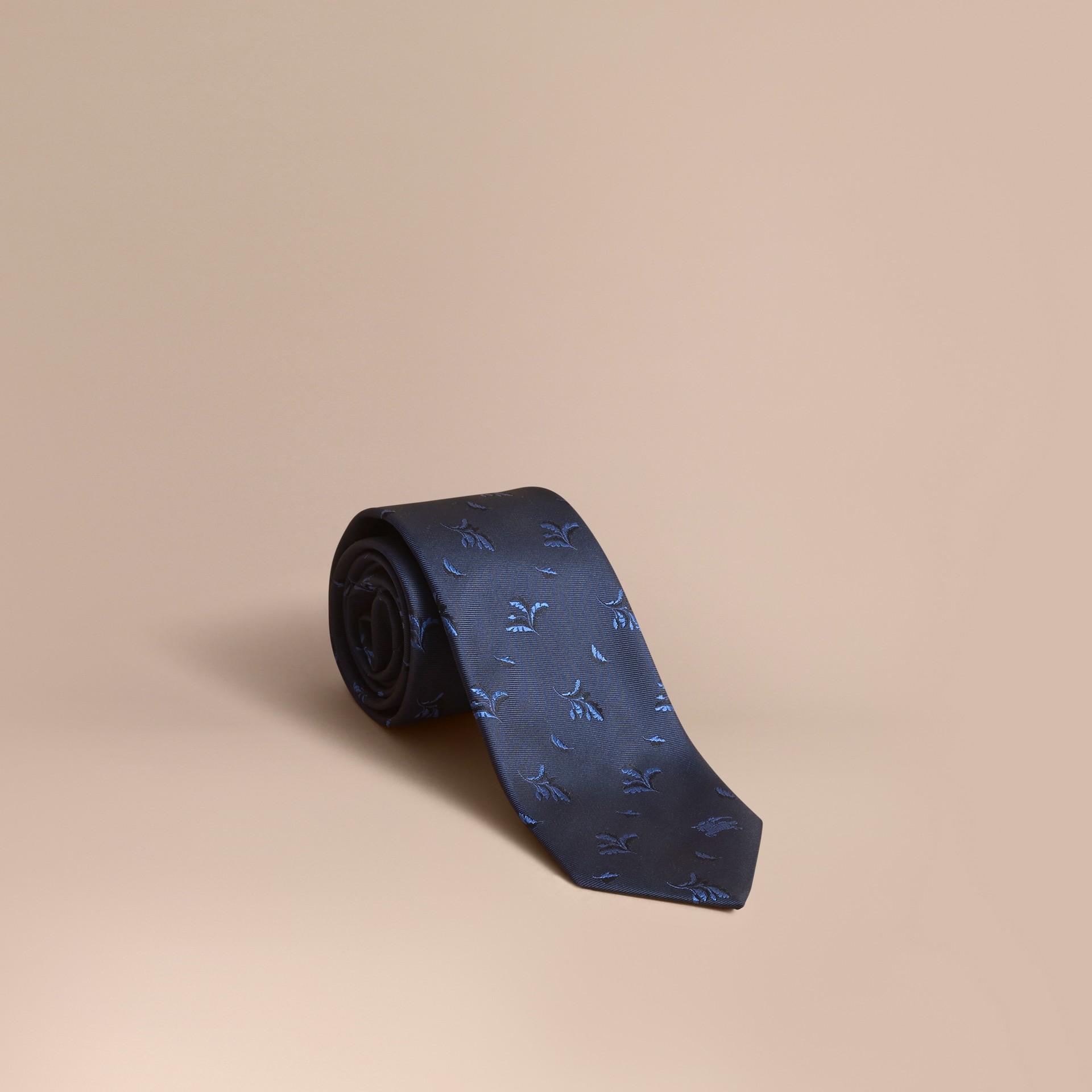 Cravatta dal taglio moderno in seta jacquard con motivo a foglia Blu Ortensia - immagine della galleria 1
