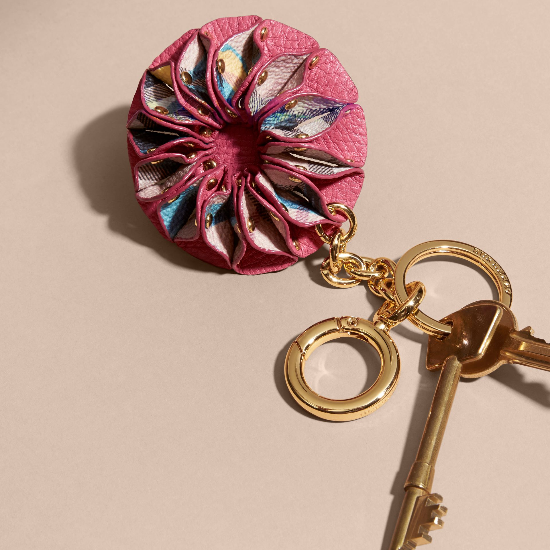 Plum pink Floral Print Haymarket Check Concertina Key Charm Plum Pink - gallery image 3