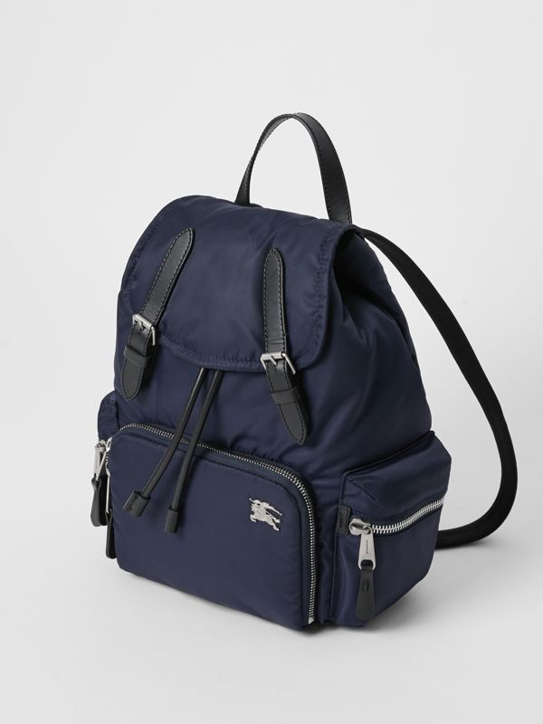 Zaino The Rucksack medio in nylon imbottito e dettagli in pelle (Blu Inchiostro) - Donna | Burberry - cell image 3