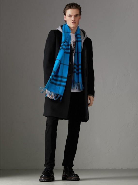 套染特大格紋喀什米爾圍巾 (亮藍色) | Burberry - cell image 3