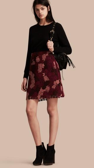 Jupe en macramé de dentelle italienne à motif floral