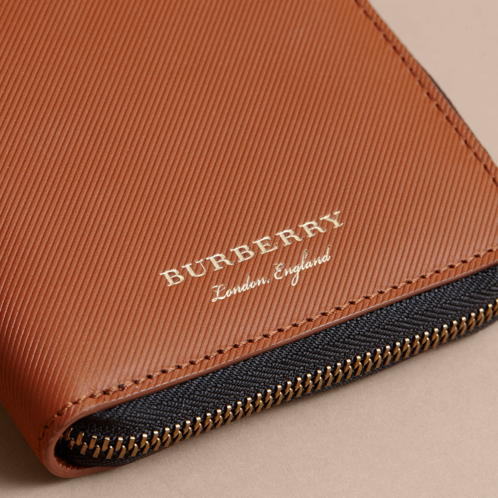 Trench Leather Ziparound Wallet in Tan - Men | Burberry Hong Kong - gallery image 2