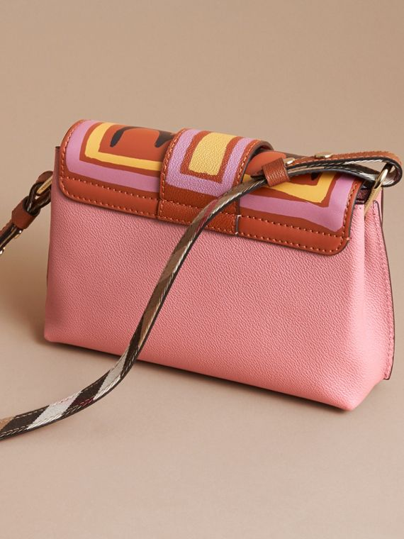 The Buckle Crossbody Bag in Trompe L'oeil Leather in Dusty Pink/bright Toffee - cell image 3