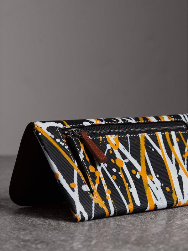 Splash Trench Leather Envelope Wallet in Black/tan - Women | Burberry United Kingdom - cell image 2