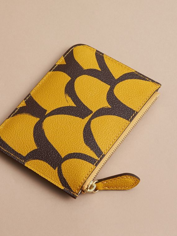 Trompe L'oeil Print Leather Pouch in Bright Straw - Women | Burberry - cell image 2