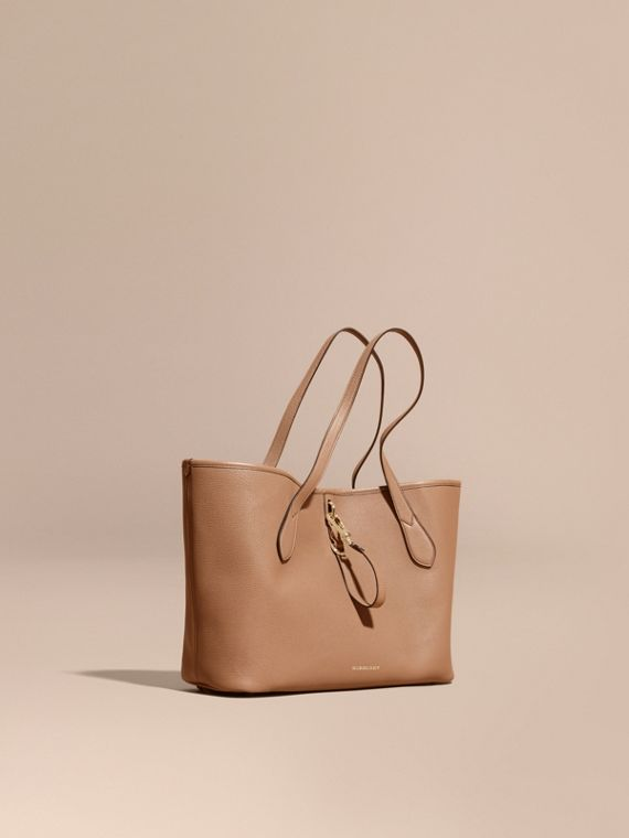 Medium Grainy Leather Tote Bag Dark Sand