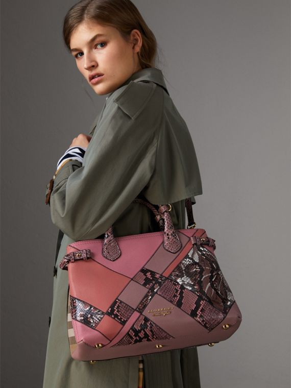 Sac The Banner medium en cuir et python façon patchwork (Rose Cendré) - Femme | Burberry Canada - cell image 3