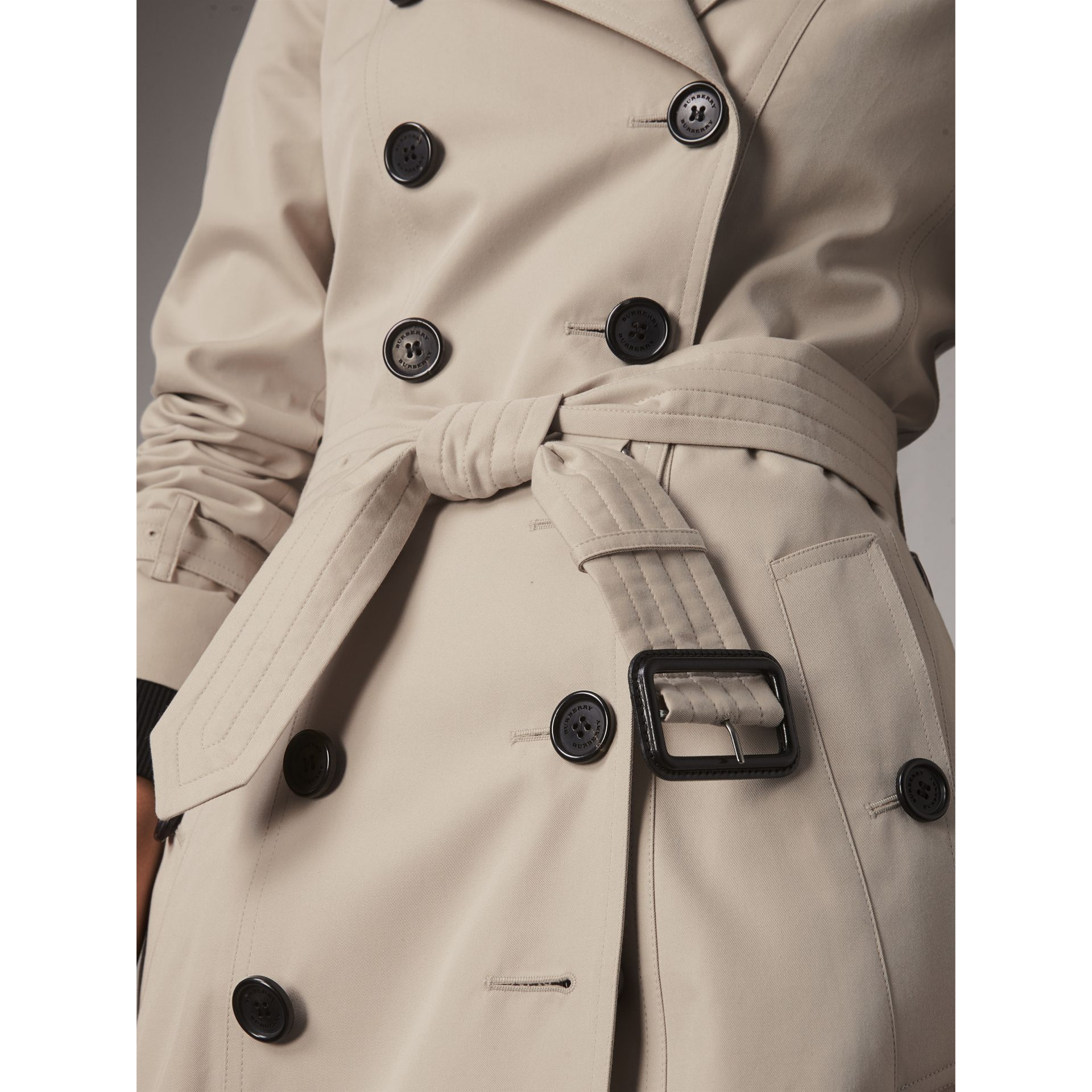 The Chelsea – Mid-length Heritage Trench Coat in Stone - Women | Burberry Canada - gallery image 6