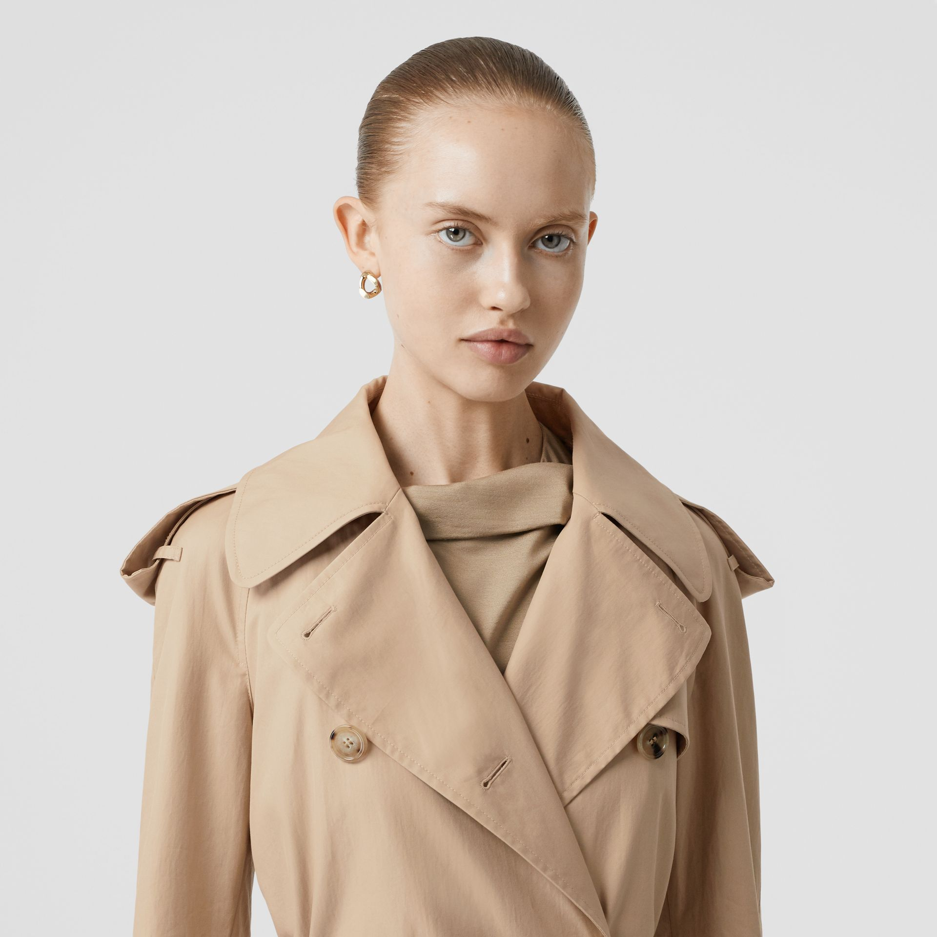 Detachable Collar Cotton Gabardine Trench Coat in Ecru - Women | Burberry United Kingdom - gallery image 7