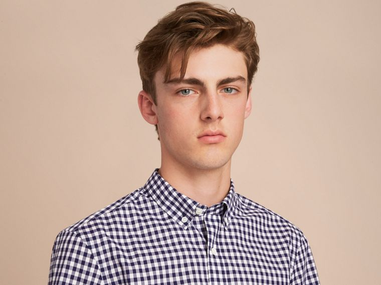 Short-sleeve Button-down Collar Cotton Gingham Shirt in Navy - Men | Burberry Canada - cell image 4