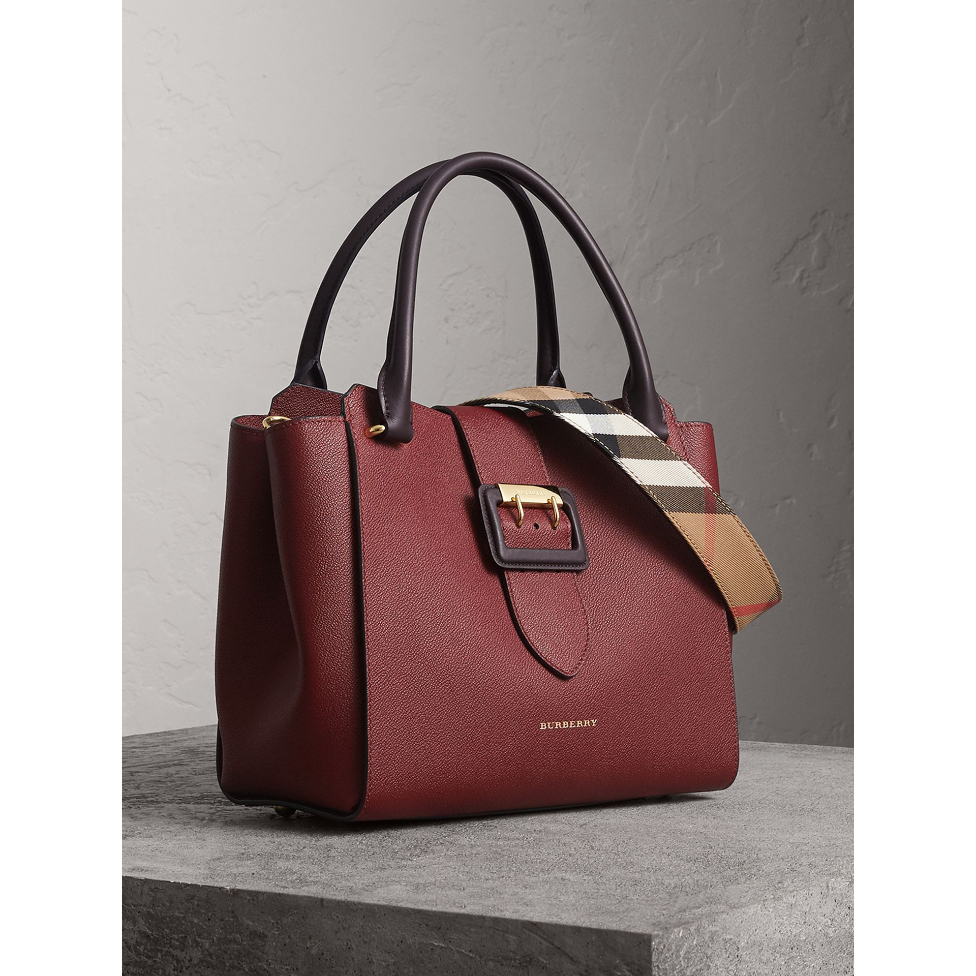 The Medium Buckle Tote in Two-tone Grainy Leather in Burgundy - Women | Burberry - gallery image 7