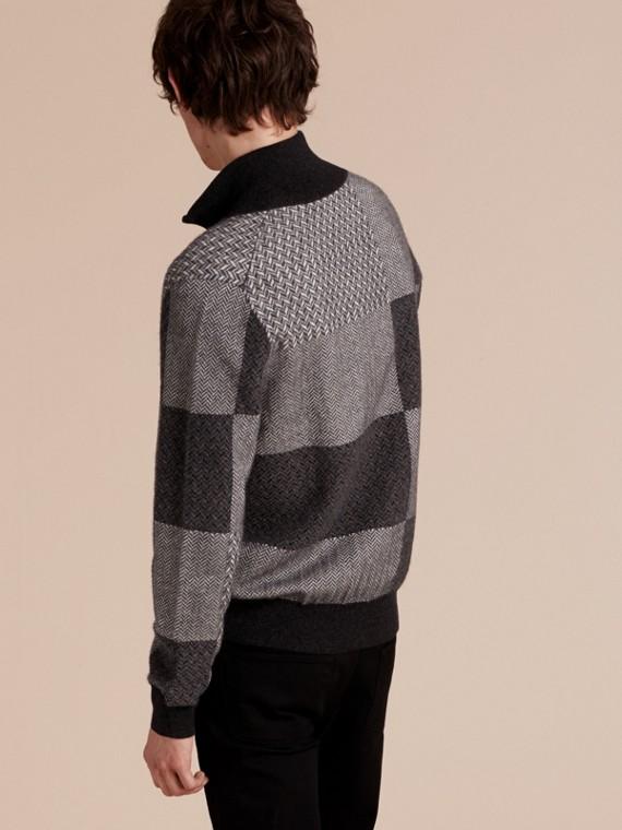 Camaïeu de gris sombres Veste à col entonnoir en maille de cachemire et coton - cell image 2