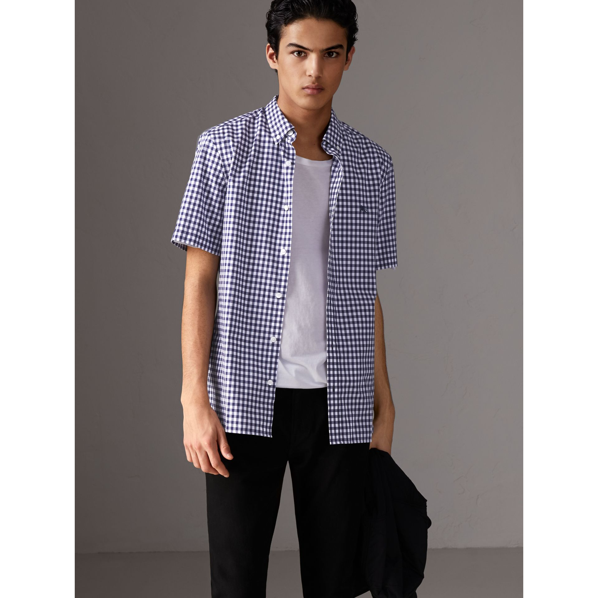Short-sleeve Button-down Collar Cotton Gingham Shirt in Navy - Men | Burberry United States - gallery image 5