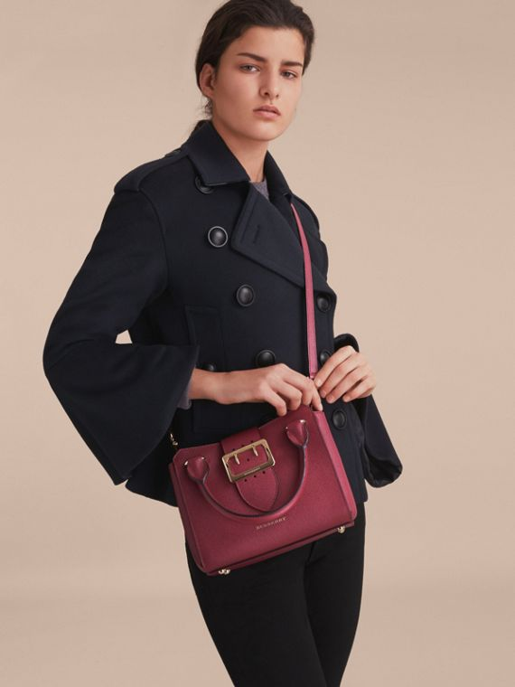 The Small Buckle Tote in Grainy Leather Dark Plum - cell image 3