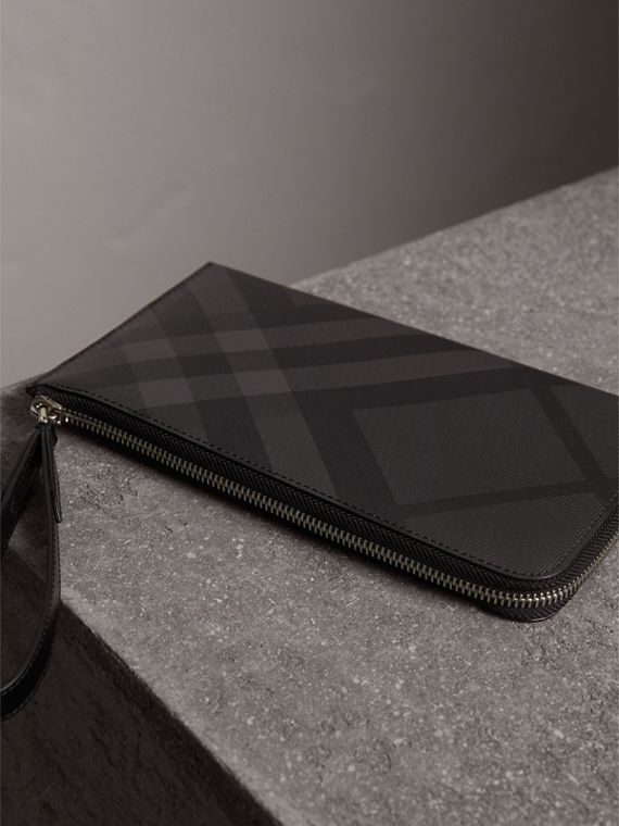 London Check Travel Wallet in Charcoal/black - Men | Burberry Hong Kong - cell image 2