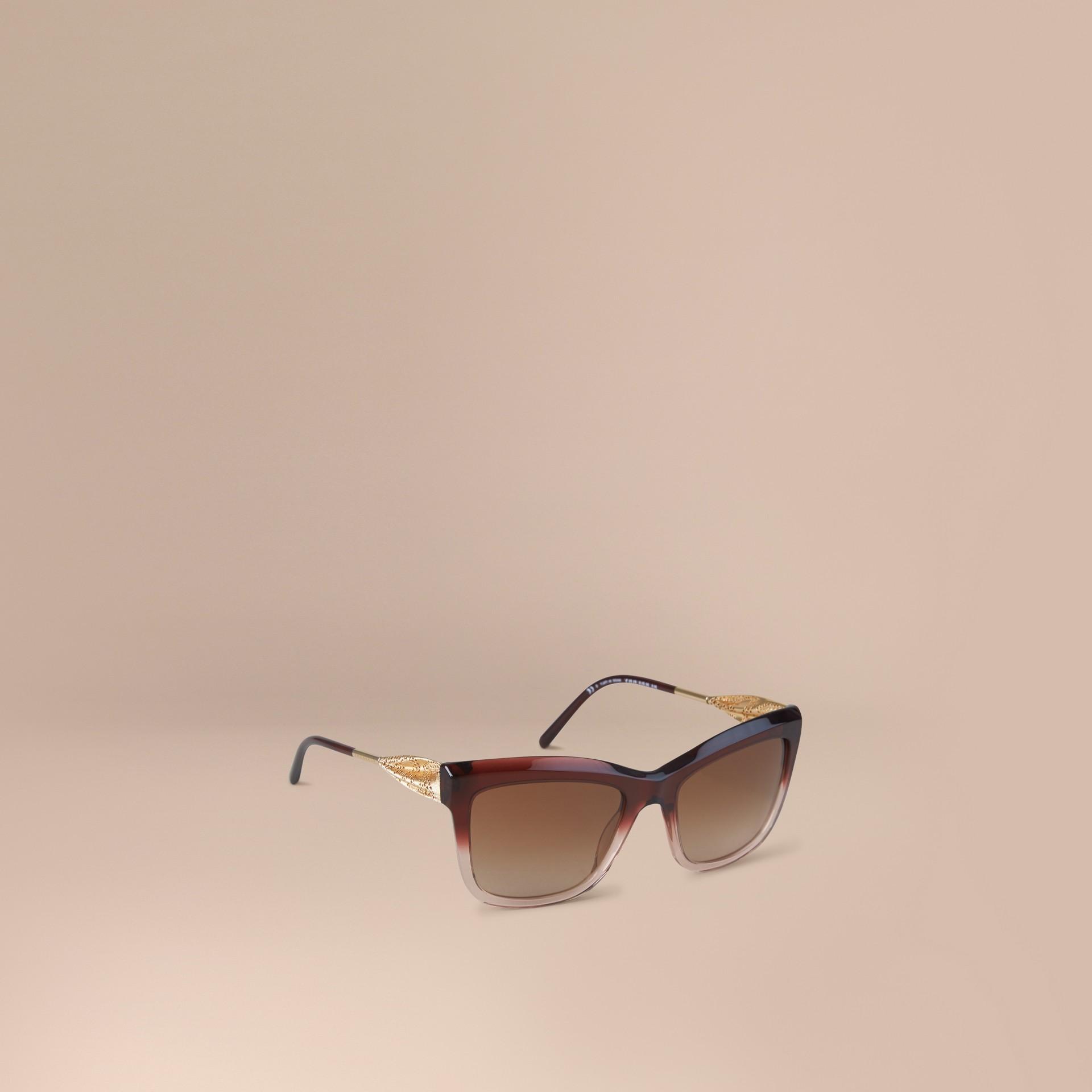 Rosso militare scuro Occhiali da sole con montatura quadrata collezione Pizzo di Gabardine Rosso Militare Scuro - immagine della galleria 1